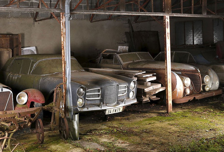 60 vintage cars found in french farm garage after 50 years are worth at least 12 million. Black Bedroom Furniture Sets. Home Design Ideas