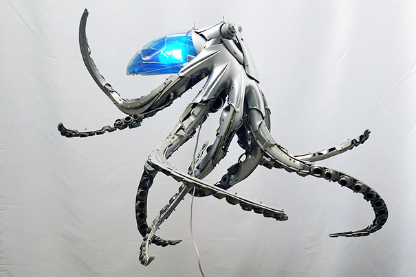 hubcaps-recycling-art-upcycling-ptolemy-elrington-12