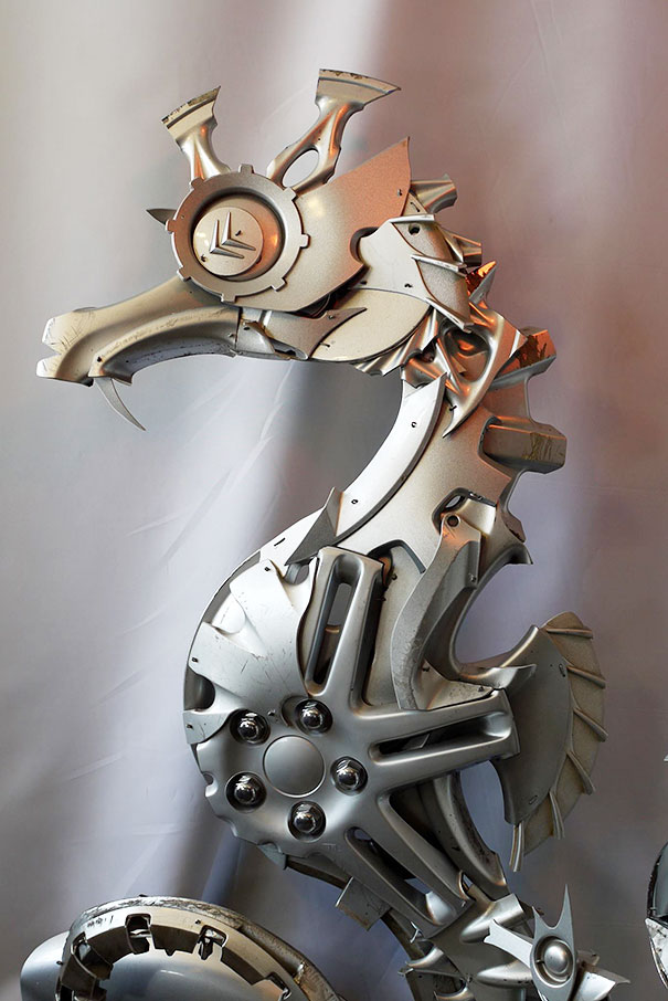 hubcaps-recycling-art-upcycling-ptolemy-elrington-2