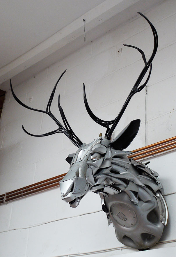 hubcaps-recycling-art-upcycling-ptolemy-elrington-23
