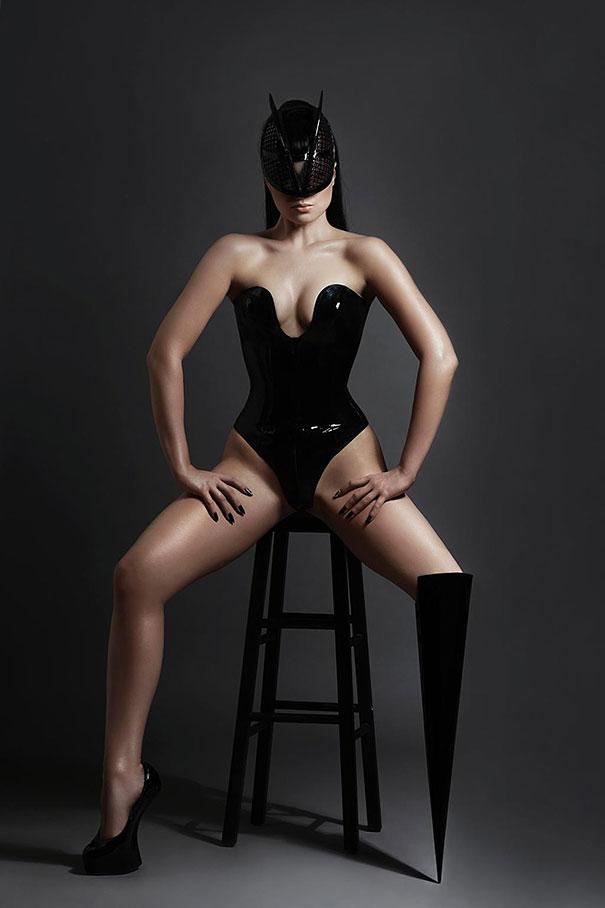 prototype-leg-prosthetics-viktoria-modesta-5