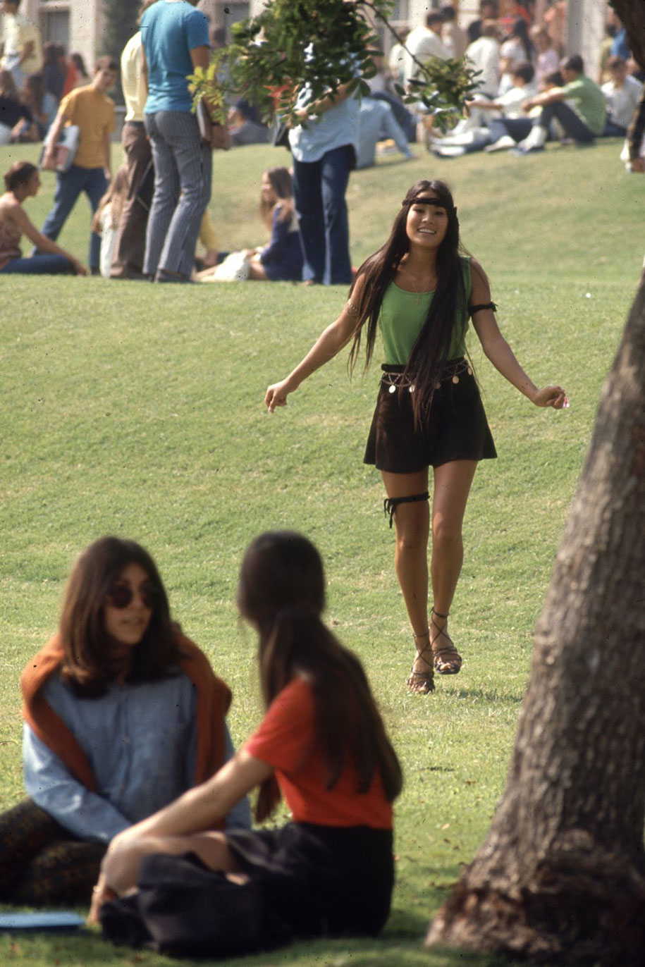 1969-hippie-high-school-counterculture-photography-6