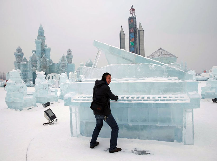 2015-international-ice-and-snow-festival-harbin-china-36