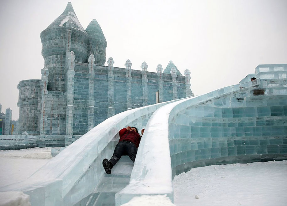 2015-international-ice-and-snow-festival-harbin-china-38