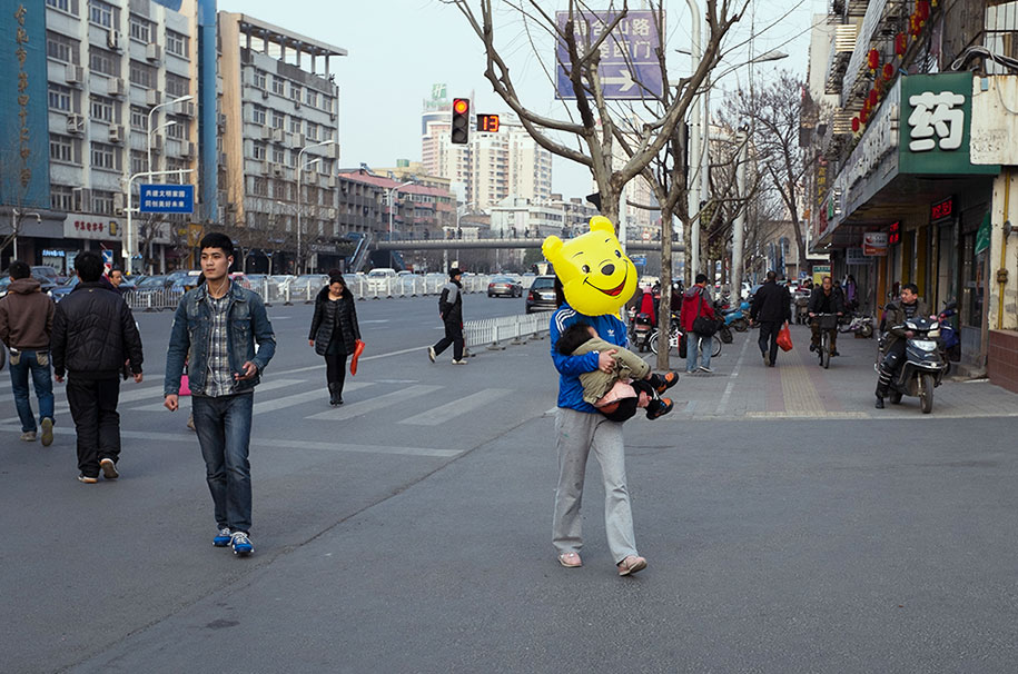 china-perfectly-timed-street-photography-tao-liu-19