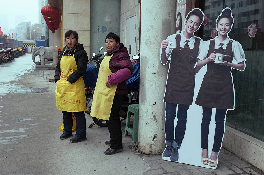 china-perfectly-timed-street-photography-tao-liu-22