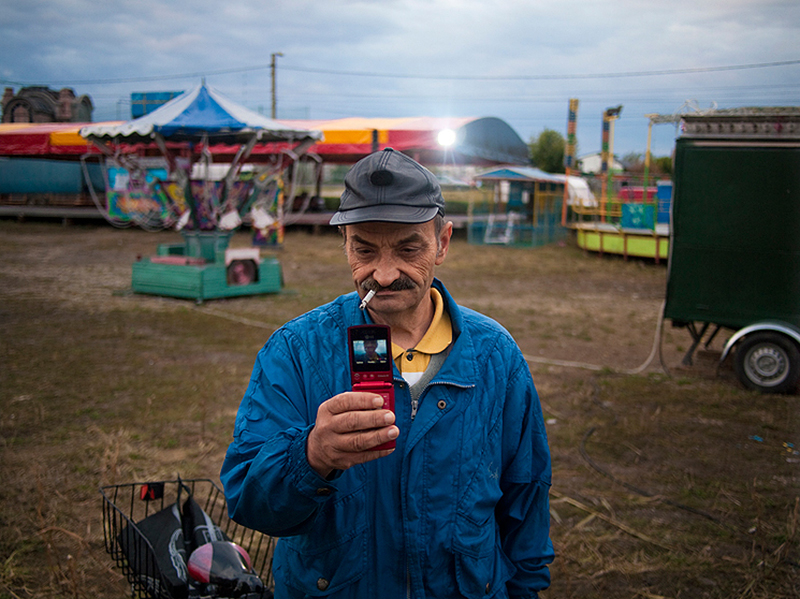 romania-villages-quirky-photography-hajdu-tamas-27