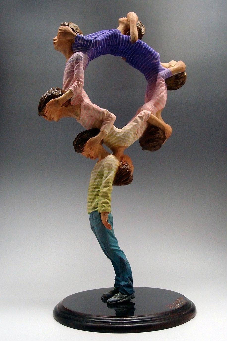 surreal-wooden-sculptures-yoshitoshi-kanemaki-11