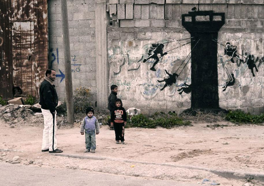 Israel-palestine-conflict-gaza-graffiti-banksy-1