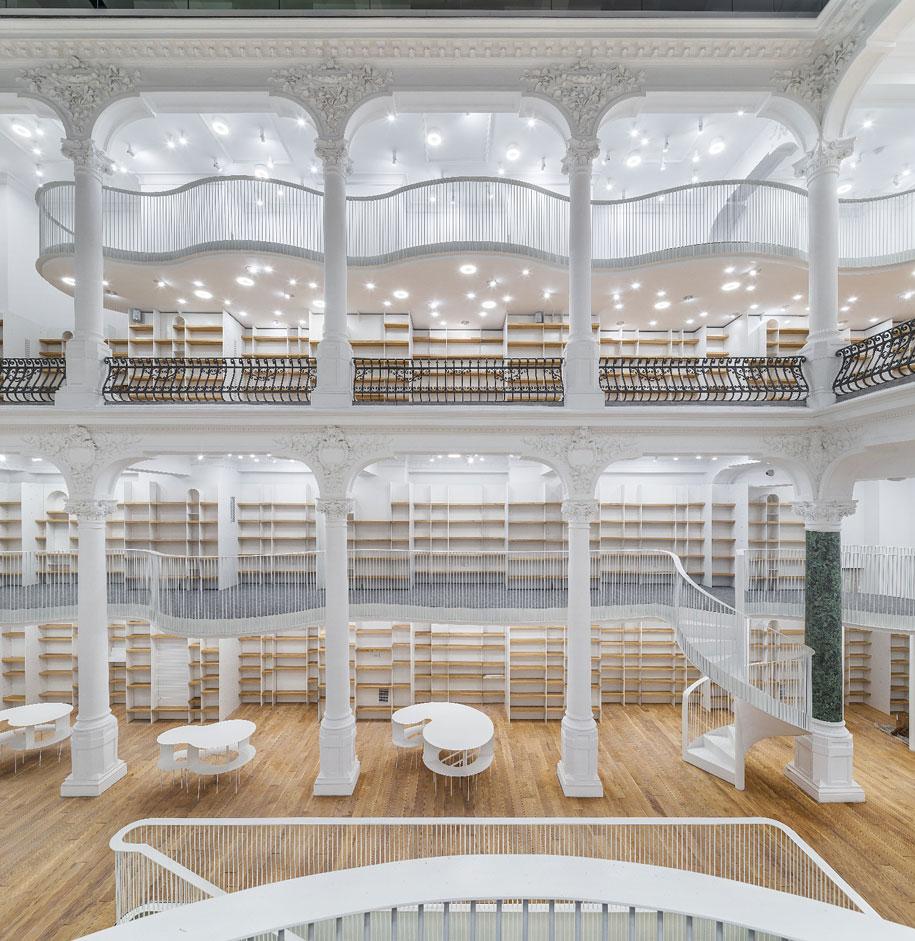 fantastic-bookstore-carousel-light-bucharest-romania-12