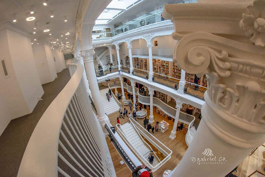 fantastic-bookstore-carousel-light-bucharest-romania-14