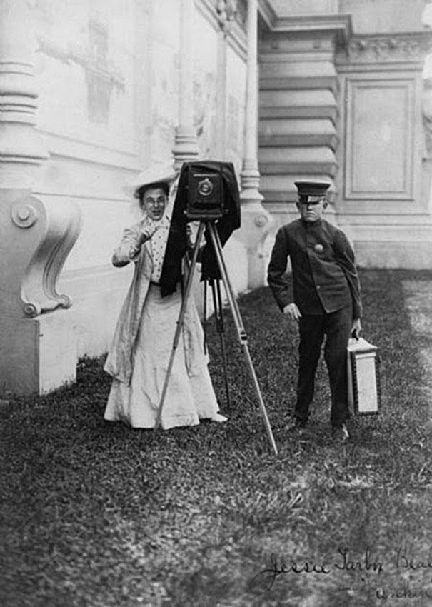 first-female-photojournalist-america-jessie-tarbox-beals-10