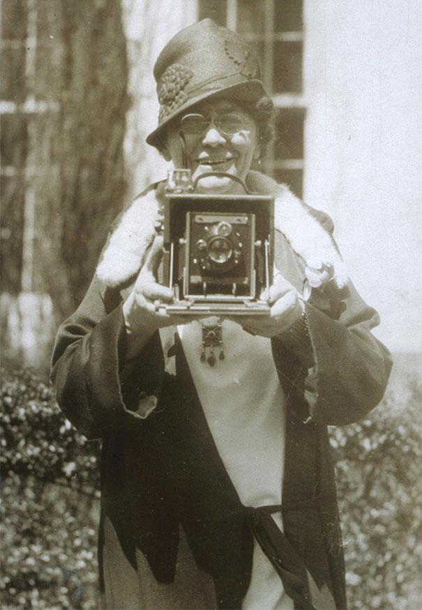 first-female-photojournalist-america-jessie-tarbox-beals-3