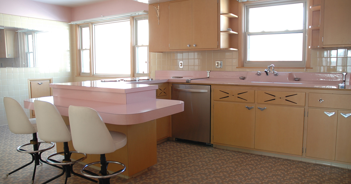 this 50 year old kitchen hasnt been touched since the 1950s - Retro 50s Home Design