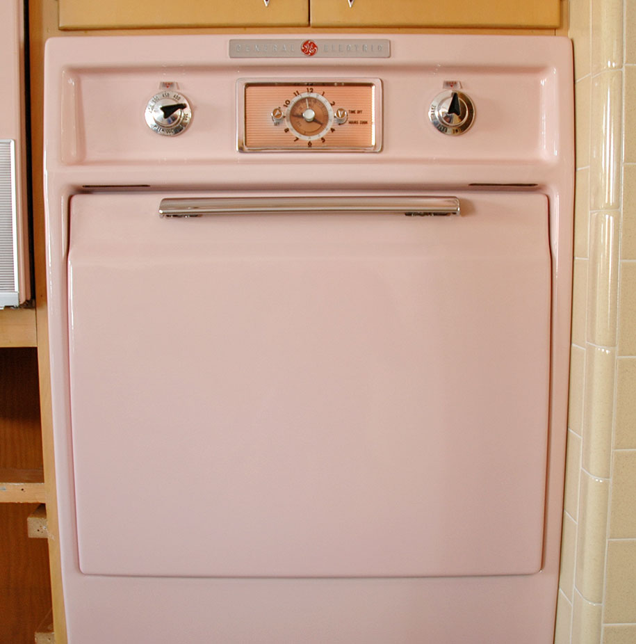 retro-50s-kitchen-pink-nathan-chandler13