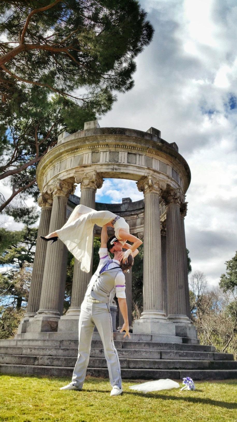 couple-wedding-around-the-world-travel-cheetah-rhian-16