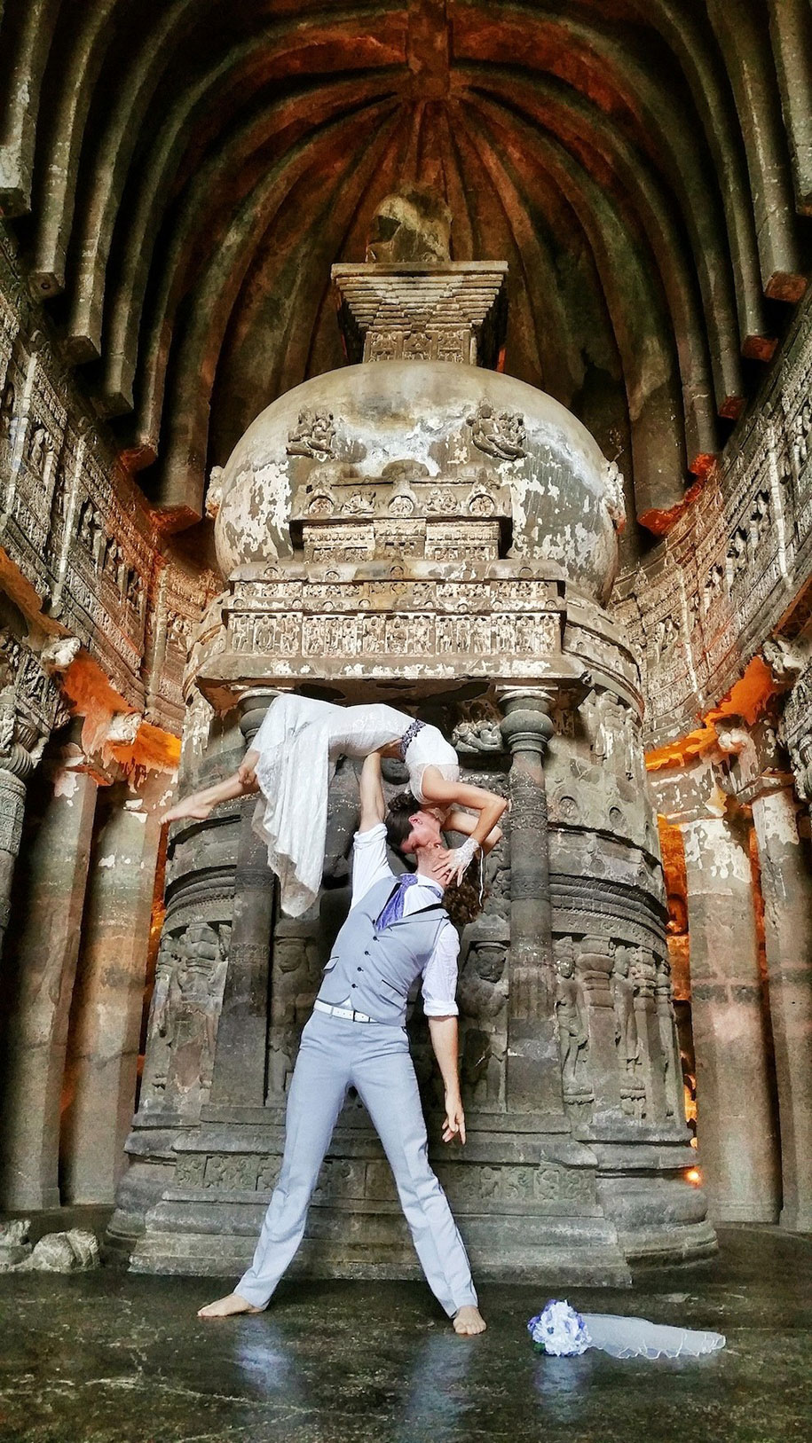 couple-wedding-around-the-world-travel-cheetah-rhian-3