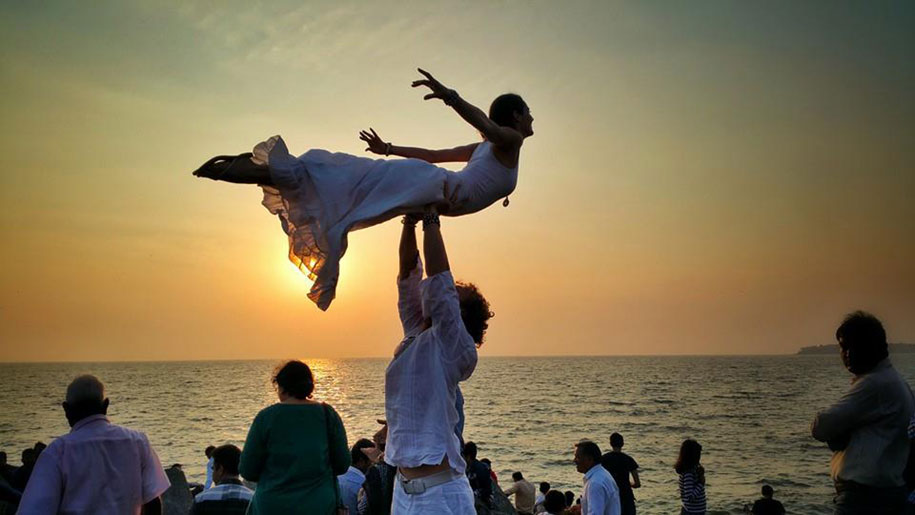 couple-wedding-around-the-world-travel-cheetah-rhian-9