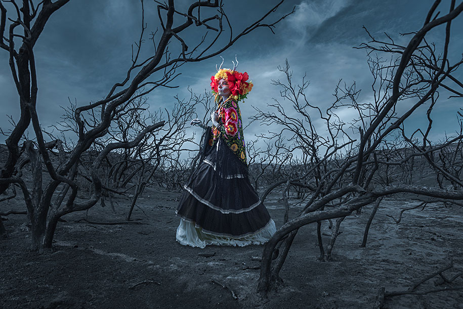Las Muertas Photographer Creates Colourful Tribute To Day