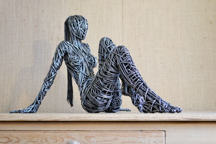 Wire sculptures beautifully capture the curves of