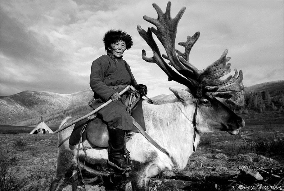 mongolia-tribe-reindeer-people-hamid-sardar-afkhami-6