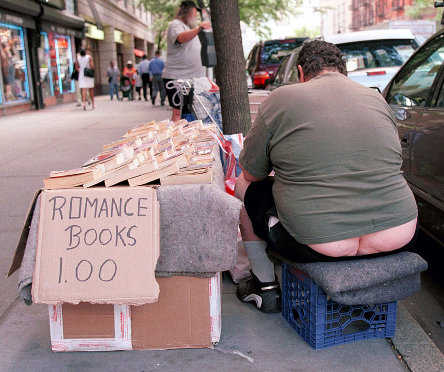 new-york-people-reading-series-lawrence-schwartzwald-5