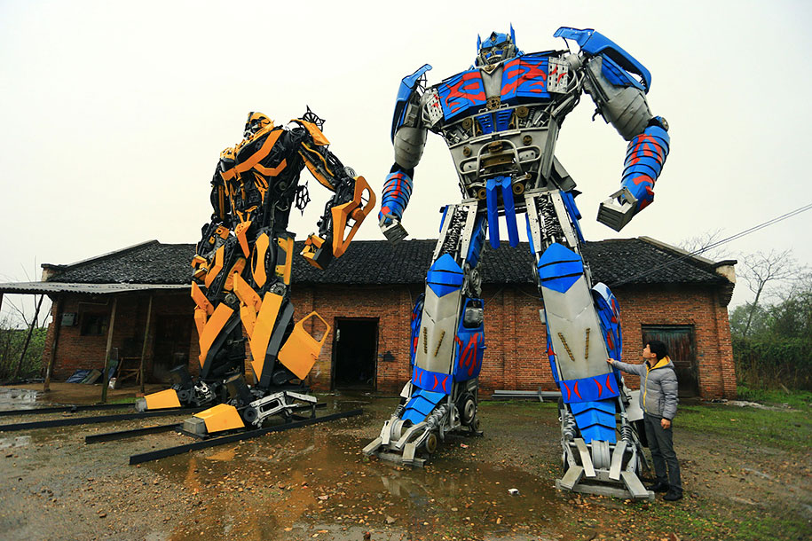 recycled-car-parts-scrap-metal-sculpture-transformers-father-son-farmer-china-07