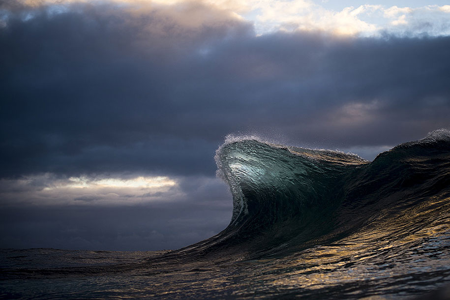 sea-photography-mountain-waves-ray-collins-09