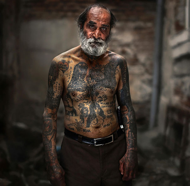 tattooed-seniors-elderly-30
