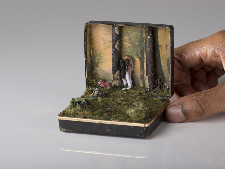 vintage-ring-box-miniature-diorama-talwst-5