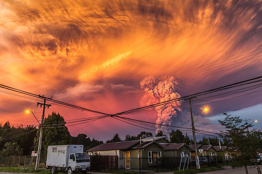 beautiful-scary-volcano-eruption-calbuco-chile-07