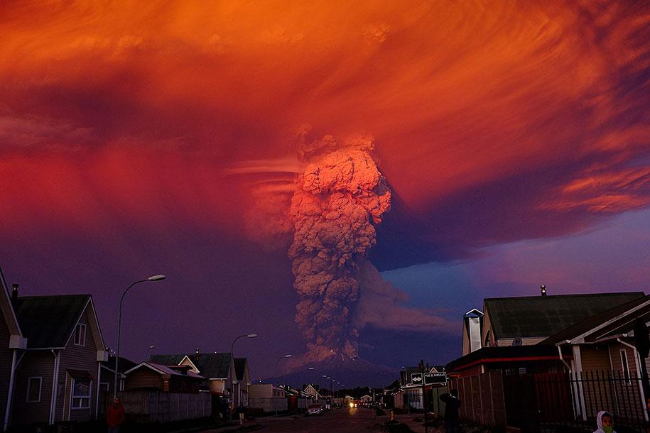 beautiful-scary-volcano-eruption-calbuco-chile-11