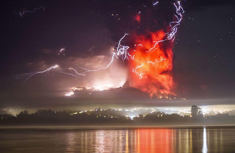 beautiful-scary-volcano-eruption-calbuco-chile-17