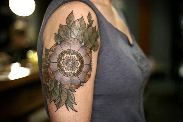 flower-plant-botanical-tattoos-alice-carrier-25