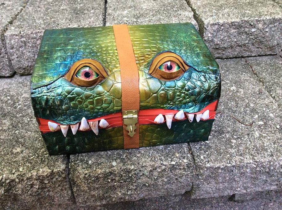 handmade-leather-box-mimic-monster-box-mellie-z-pennsylvania-02