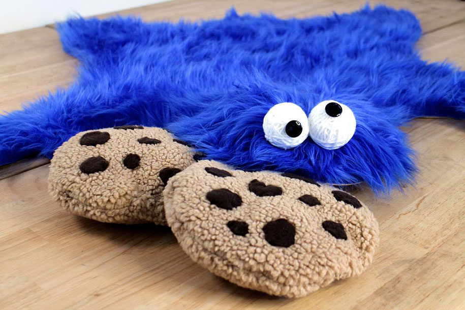 sesame-street-DIY-cookie-monster-rug-pillows-mikeasaurus-04