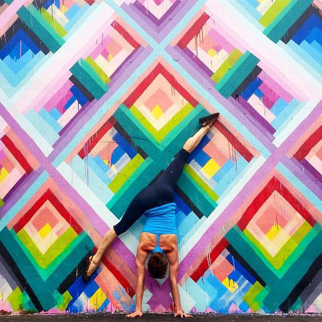 yoga-poses-street-art-graffiti-soren-buchanan-07