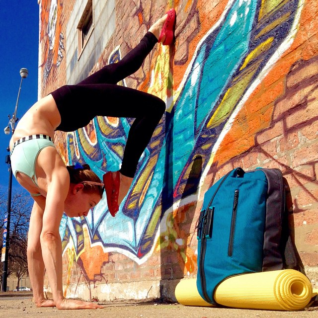 yoga-poses-street-art-graffiti-soren-buchanan-14