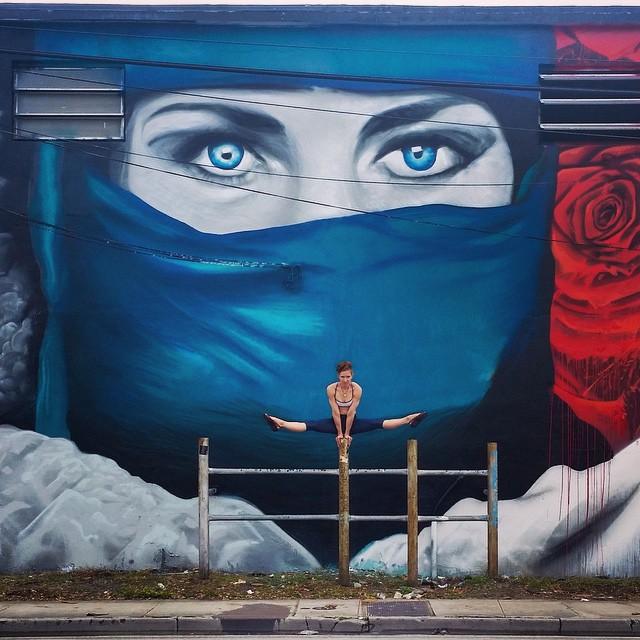 yoga-poses-street-art-graffiti-soren-buchanan-25