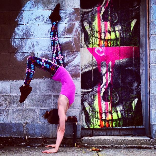 yoga-poses-street-art-graffiti-soren-buchanan-72