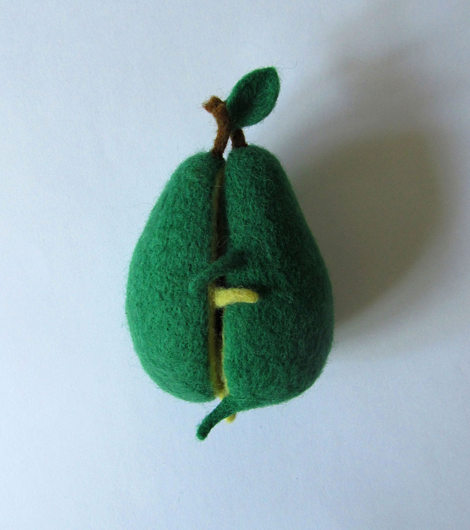 cute-felt-wool-sculpture-avocado-love-anna-dovgan-1