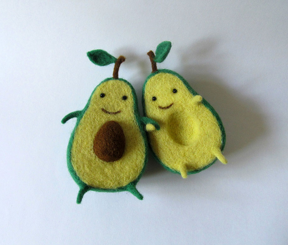 cute-felt-wool-sculpture-avocado-love-anna-dovgan-3