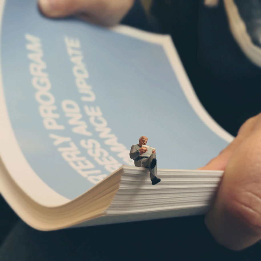 office-life-miniature-dioramas-187-derrick-lin-marsder-2