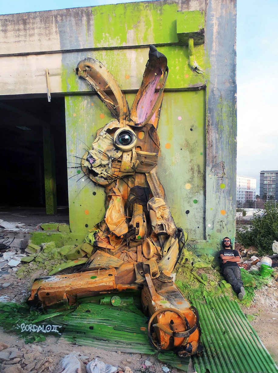 street artist uses junk to create big trash animal sculptures. Black Bedroom Furniture Sets. Home Design Ideas