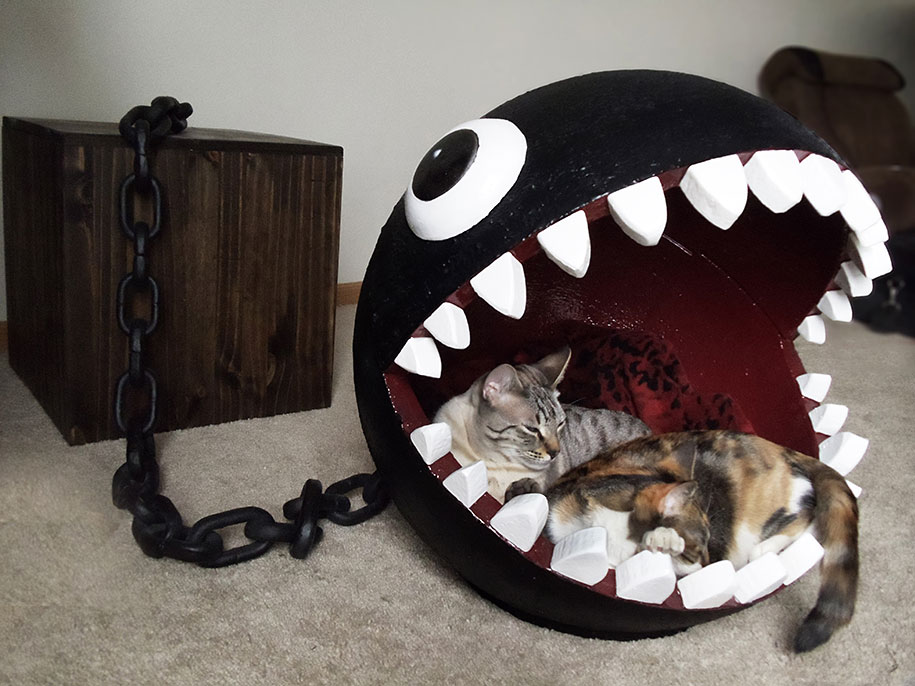 super-mario-bros-furniture-chain-chomp-cat-bed-catastrophicreations-4