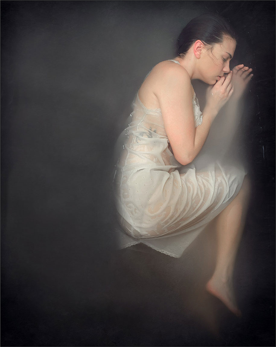 surreal-anxiety-portraits-my-anxious-heart-katie-crawford-6