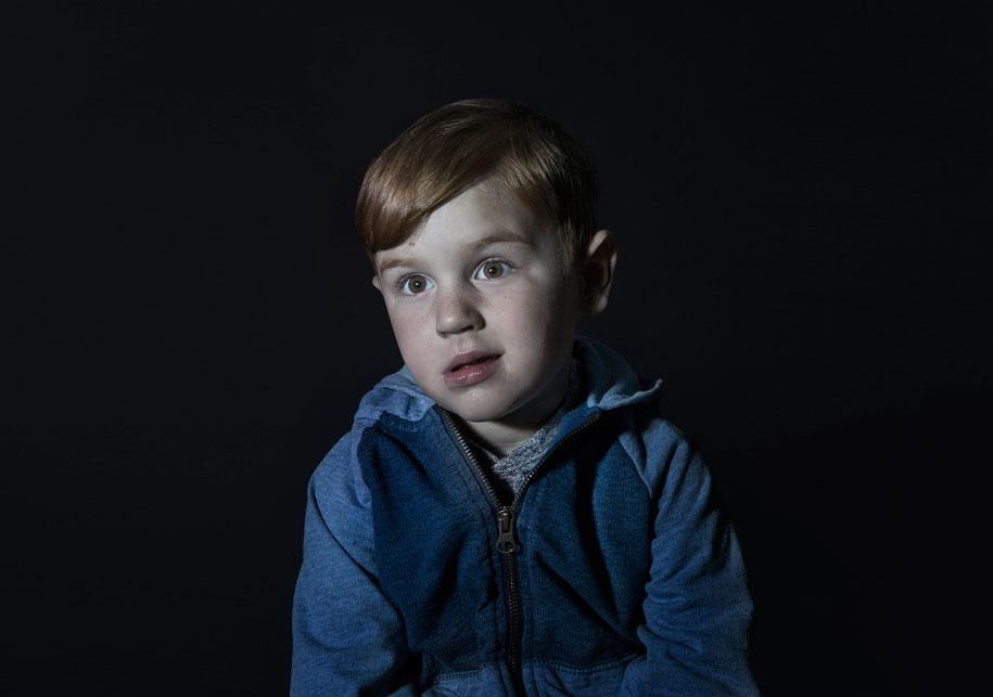 children-watching-tv-idiot-box-donna-lee-stevens-4