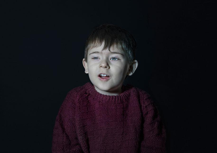 children-watching-tv-idiot-box-donna-lee-stevens-5