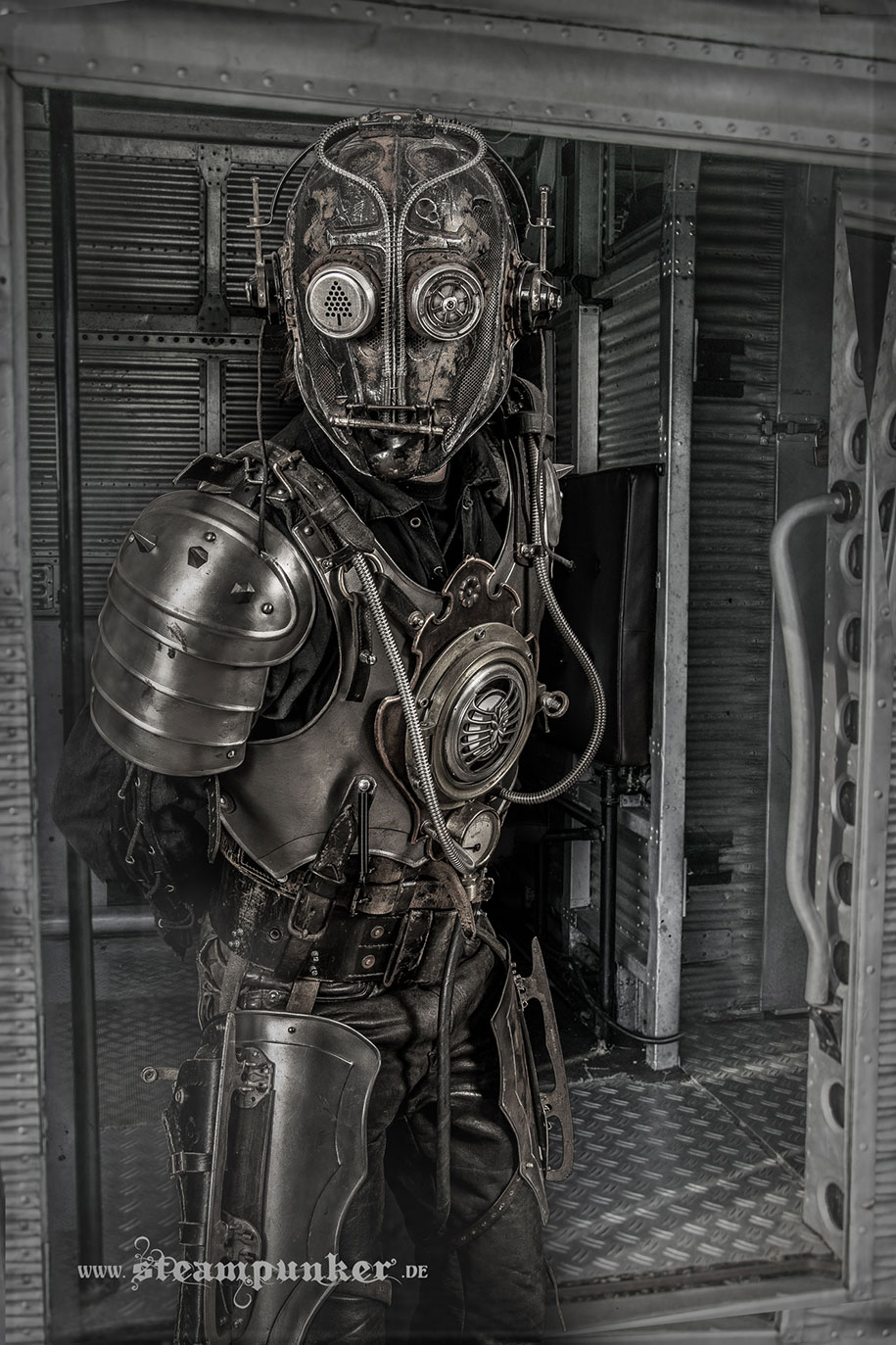 cosplay-costumes-steampunk-art-armor-clothing-alexander-schlesier-1