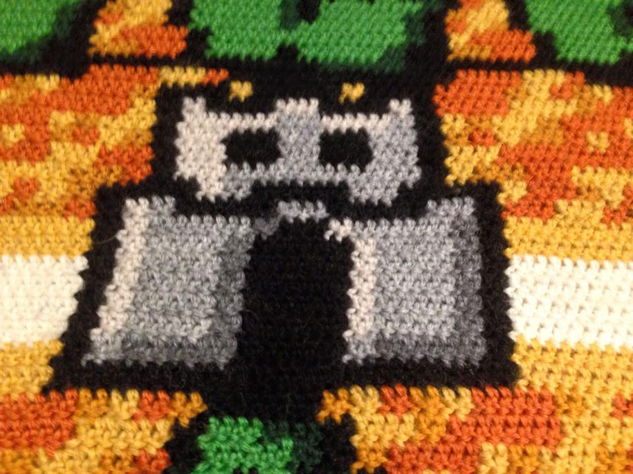 crocheted-super-mario-blanket-kjetil-nordin-9